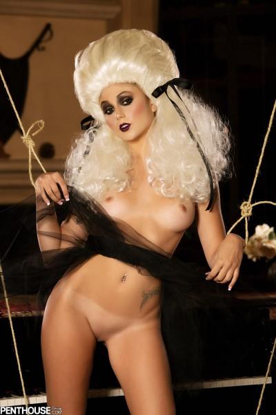 naked Ariana Marie