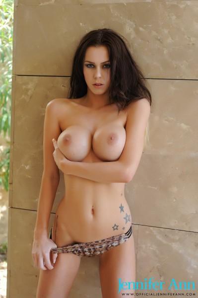 topless Jennifer Ann