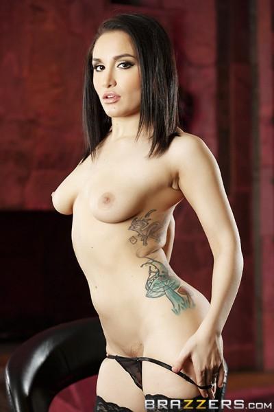 topless Gabriella Paltrova