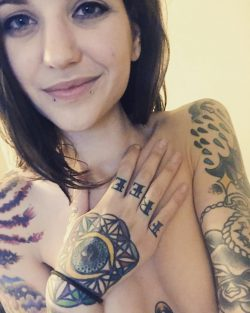 Rocky Emerson shows her hand & finger tattoos
